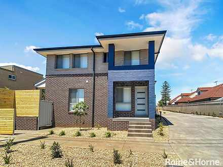 Townhouse - 1/164 Glossop S...