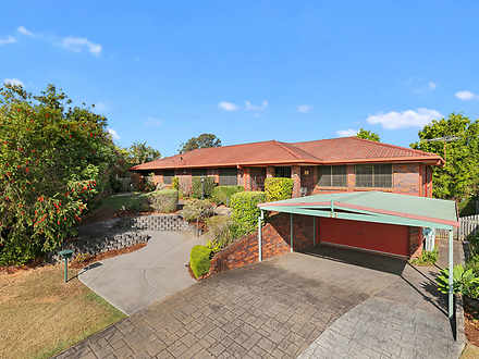 House - 11 Chinnock Court, ...