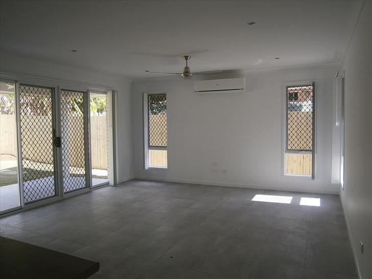 House - 32A Russell Drive, ...