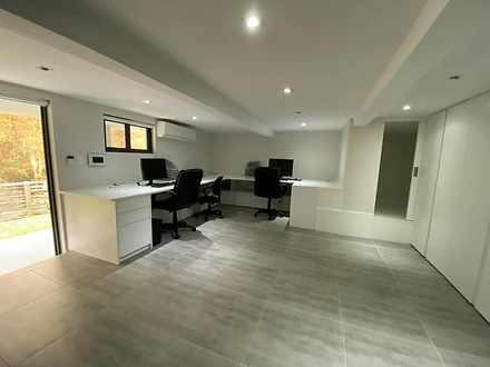 House - 5 Stringer Place, O...