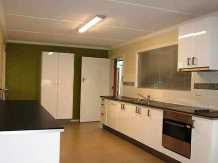 House - 30 Dowling Drive, S...