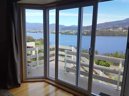 Townhouse - 2/56 Morrisby R...