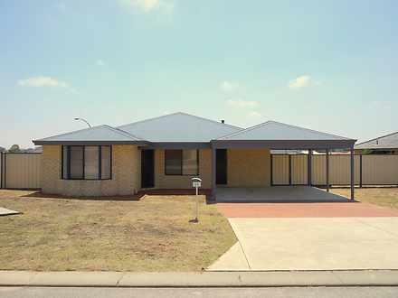 House - 46 Araluen Crescent...