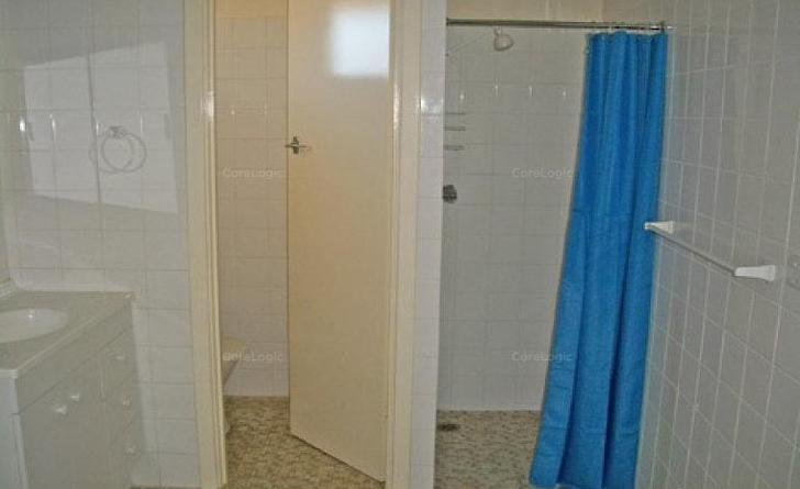 5ef32d0ce78743b2999aed4c 15565 bathroom 1576570703 primary