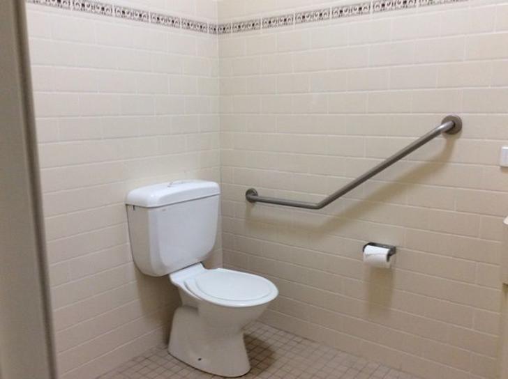 502ca8623719fb842ceedd04 unit  3 bathroom 1101 flipped 2331 5dfab8b85b575 1576718201 primary