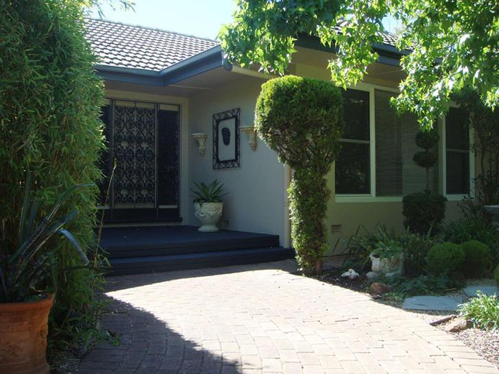 Front garden 1577271738 primary