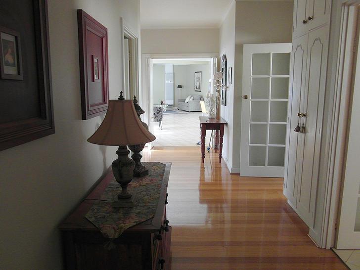 Hallway 1577271760 primary