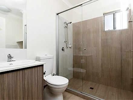 37b84b3511a15297bc2a5f5d 5781 bathroom 1577960038 thumbnail