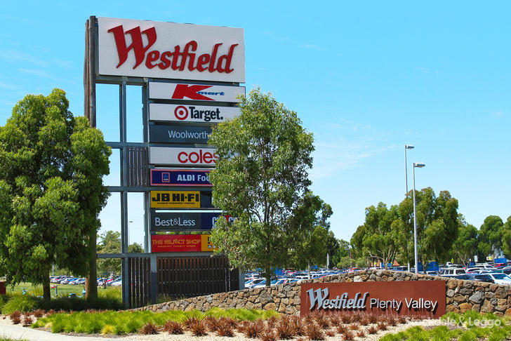 9800bac25031d6b8d872cd13 32052 westfieldshoppingcentresignhighres 1578035899 primary