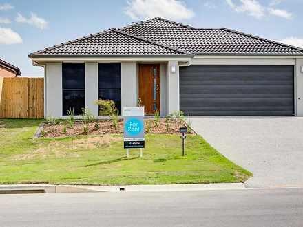 House - 32 Wanaka Street, B...