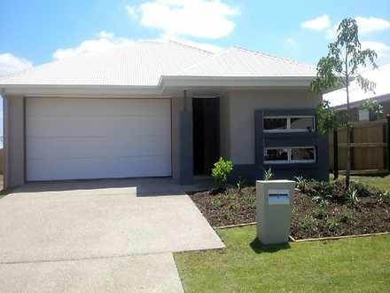 House - 9 Denham Circuit, W...