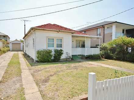 House - 102 Hydrae Street, ...
