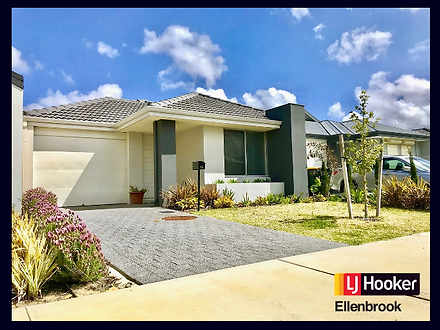 House - 10 Fairoaks Way, Av...