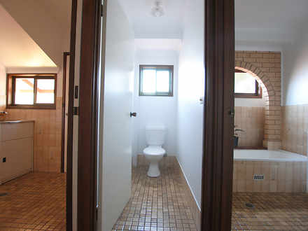 F9b12079e28009b299b49347 979 bathroom 1578446300 thumbnail