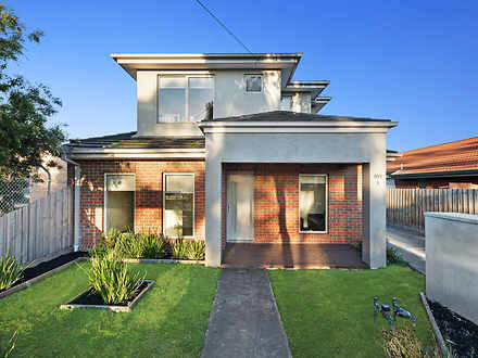 House - 1/105 Merton Street...