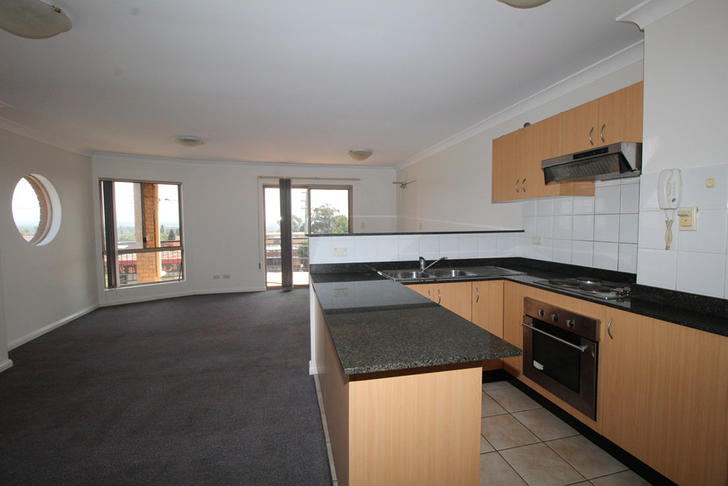 318edde23361dfccd033fadd 5553 15southterraceunit6kitchenliving 1578636934 primary