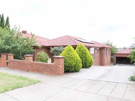 House - 10 Stillwell Cresce...