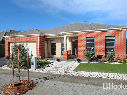 House - 4 Tenterfield Place...