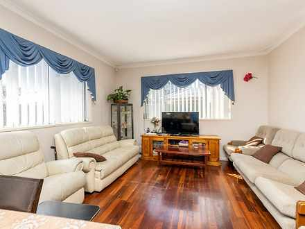 House - 9A Tonbridge Way, T...