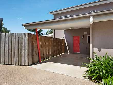 Townhouse - 2/49 Brooks Str...