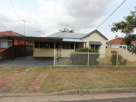 House - 19 Joyce Street, Fa...