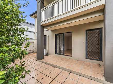 Townhouse - 1/7 Eastleigh S...