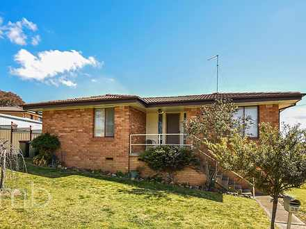 House - 38 Amaroo Crescent,...