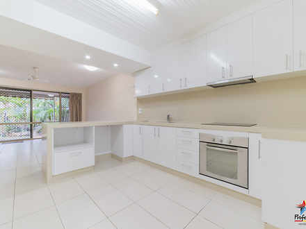 Unit - 3/85 Shakespeare Str...
