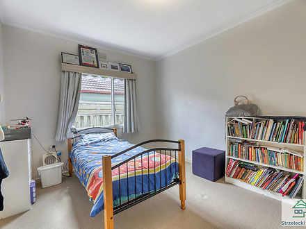 012f7a779d5334dd32eda992 39 edward   bedroom 2 1117 5da7b2926b1ab 1579665041 thumbnail