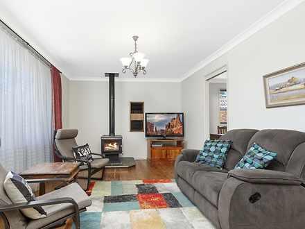 House - 5 Bombala Crescent,...