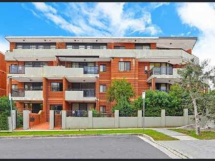 House - 8/7-11 Kitchener Av...