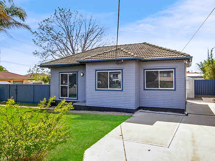House - 32 Parkin Road, Col...