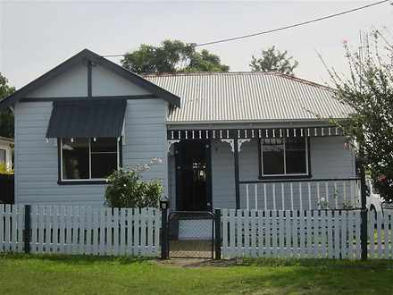 House - 4 Foster Street, Ce...