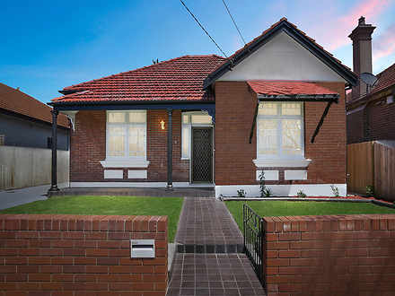 House - 4 Griffiths Street,...