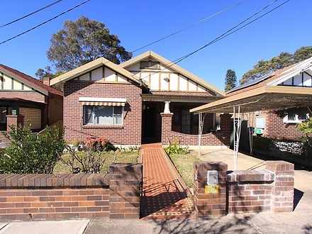 House - 121 Croydon Road, C...