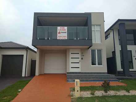 House - 230 Greenview Parad...