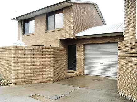 Townhouse - 1/411 Bevan Str...