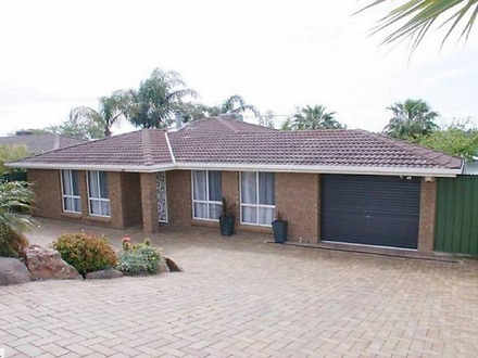 House - 16 Huntingdale Road...