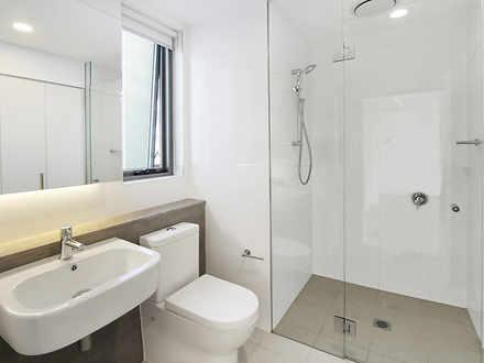 F08f41ed2e9500d61aafd696 11940 bathroom 1580940937 thumbnail