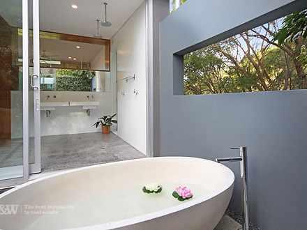Outdoor bath off ensuite 1580958695 thumbnail