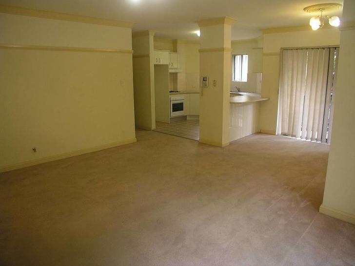 C8f3ab8c4ef35956fcff6bd8 13 401 5 pye street 2c westmead lounge 1587358108 primary