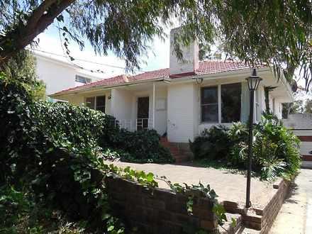 House - 10 Dean Street, Kar...