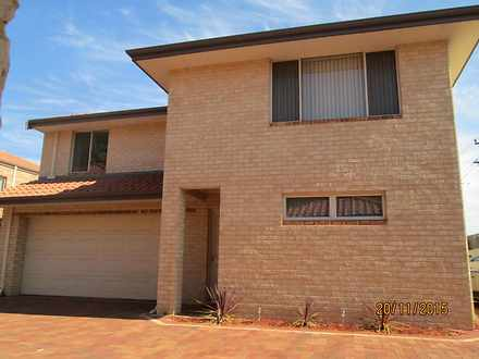 Townhouse - 1/258 Flinders ...