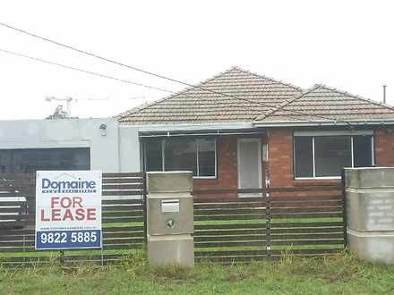 House - 4 Saunders Avenue, ...