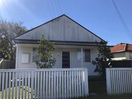 House - 84 Croudace Road, E...