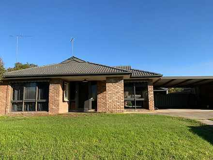 House - 19 Parkwood Way, Tr...