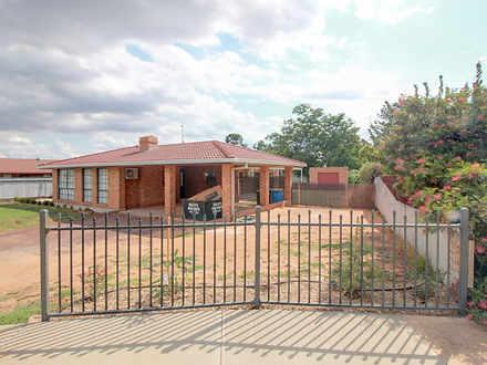 House - 14 Denson Court, Co...