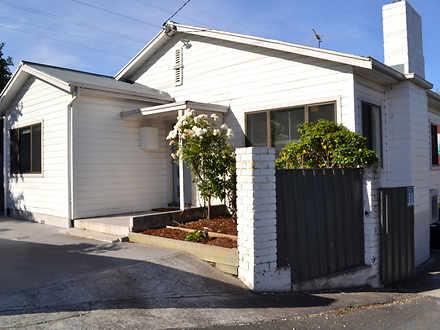 House - 1/117 Swanston Stre...