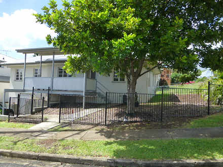 House - 34 Mayfield Road, M...