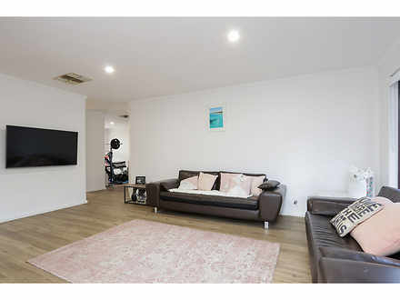 House - 3/10 Macrae Road, A...